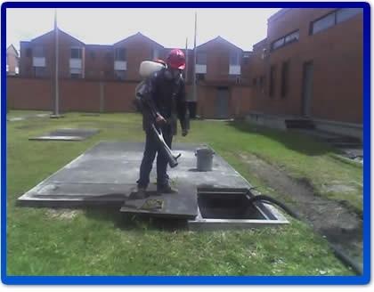 Lavado de tanques de agua potable y mantenimiento