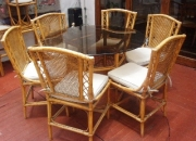 Juego de muebles ratan (juego de mesa, sillas, butacas, mesa de centro). precios negociables.
