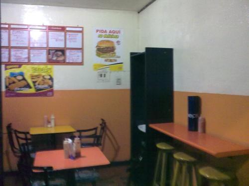 Ganga!!! vendo negocio comidas rapidas acreditado y equipado excelente ubicación