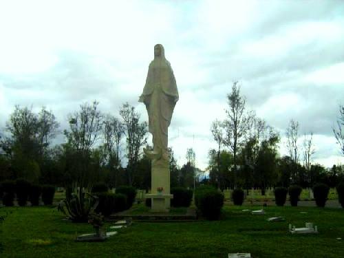 Lote cementerio triple, urgente negociable!