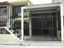 Se vende amplia casa _ dividida en tres apartamentos independientes
