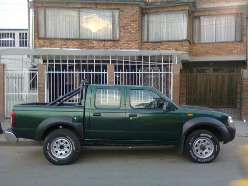 Camioneta doble cabina nissan frontier d22 diesel bogota