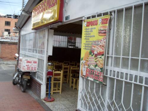 Vendo local acreditado barrio barrancas