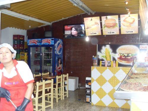 Fotos de Vendo local acreditado barrio barrancas 3