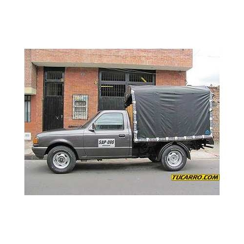 Ofrezco camioneta con estacas y conductor