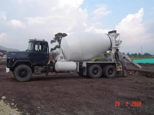 Alquiler o ventas camiones mezcladores/bombas de concreto