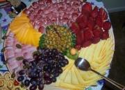 Tablas de queso, refriguerios, pasabocas, comidas economicas, buffets, fuentes de chocolate etc.