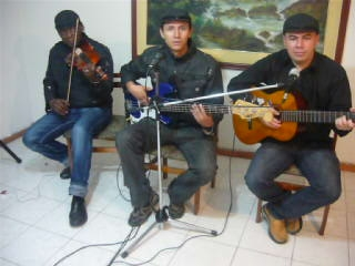 Cancion social en bogota,serenatas,violin,flauta,piano,250.000con sonido