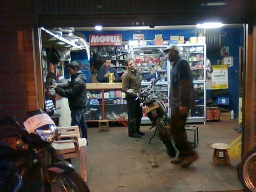 Vendo Almacen Y Taller De Motos Con 10 Años En El Mercado En Bogotá