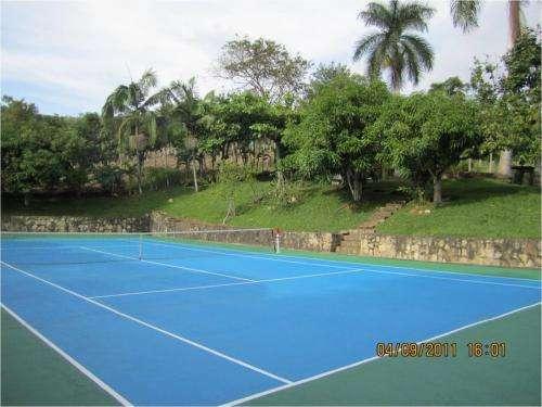 Alquilo casa, finca, piscina, cancha de tenis, amoblada, dotada