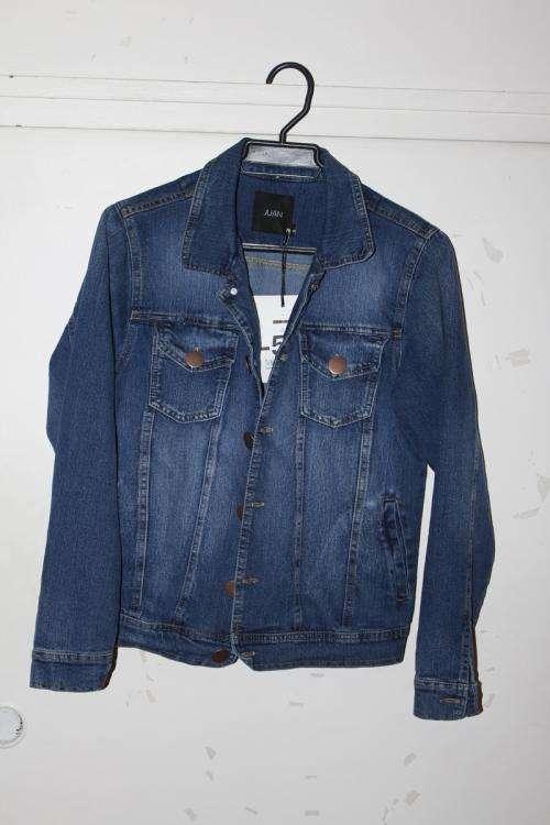 Vendo chaqueta nueva juan tm talla s