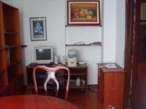 Fotos de Cerca a la embajada americana casa hotel habitaciones económicas alojamiento ind 3