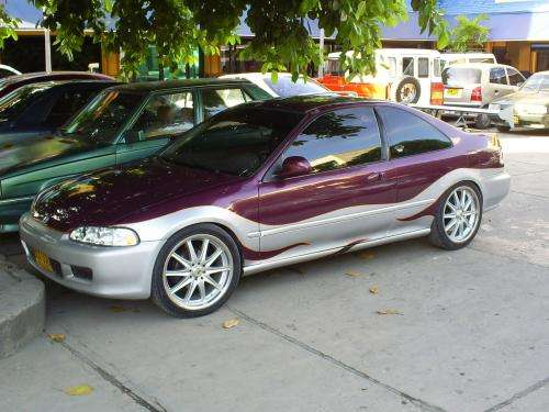 Vendo carro honda en buen estado por un precio de $ 15.000.000