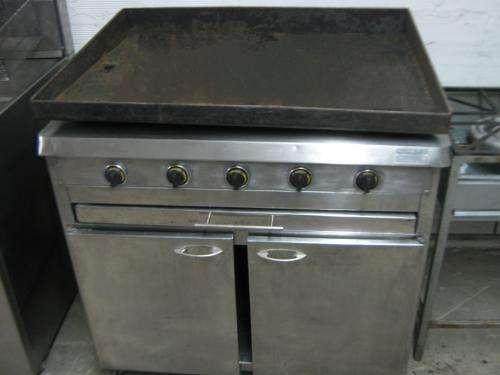 Venta de equipos de cocina semi-industrial para restaurante