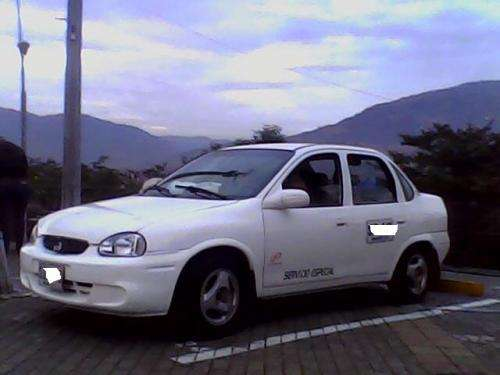 Vendo taxi con cupo operacion nacional blanco servicio especial bogota chevrolet corsa diesel