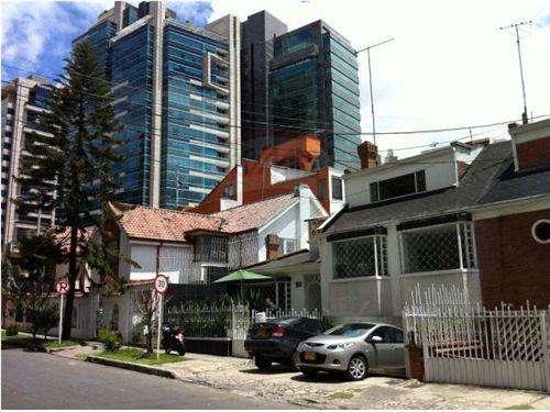 Id no 660191016-2 arriendo oficina santa bárbara, cra. 9, bogotá, colombia