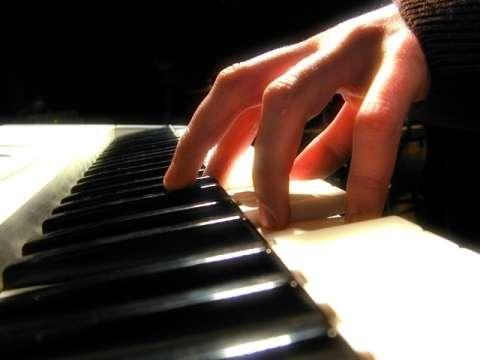 Se dictan clases de música a domicilio