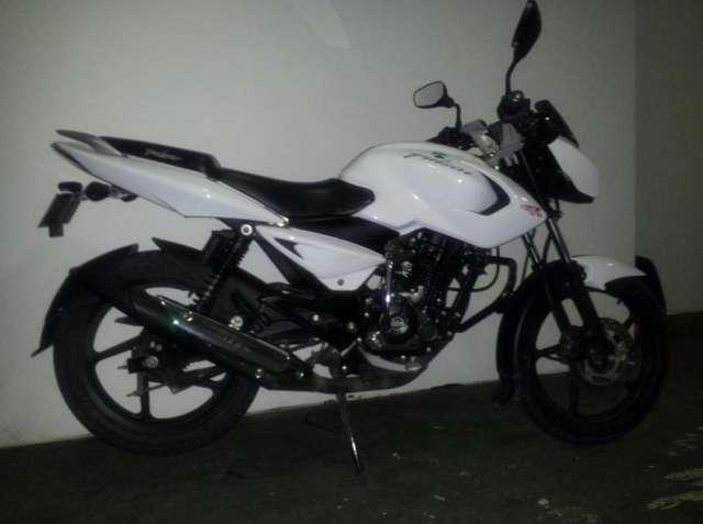 Vendo moto pulsar 135cc mod. 2012 8000 km con garantía.