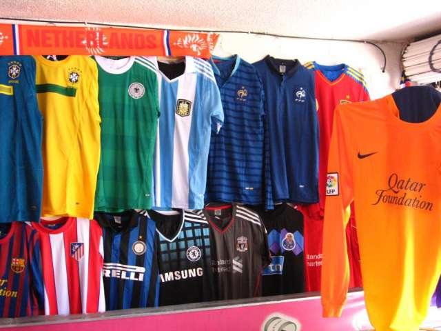 6720ff2c8f9a1 Uniformes de futbol varios diseños. en Bogotá - Artículos deportivos ...