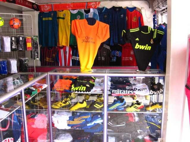 4441df04ce25a Uniformes de futbol varios diseños. en Bogotá - Artículos deportivos ...