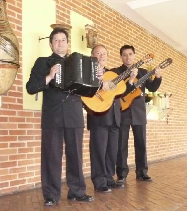 Trio bogotrio musica latinoamericana en vivo