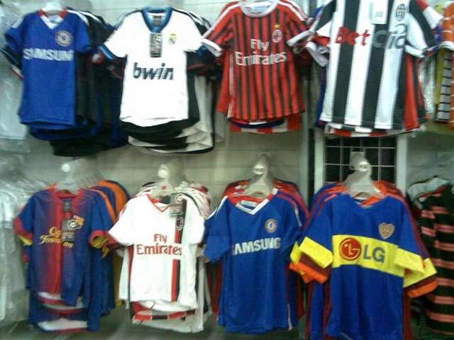 36199d47f00a5 Uniformes deportivos camisetas para presentación medias en Bogotá - Ropa y  calzado