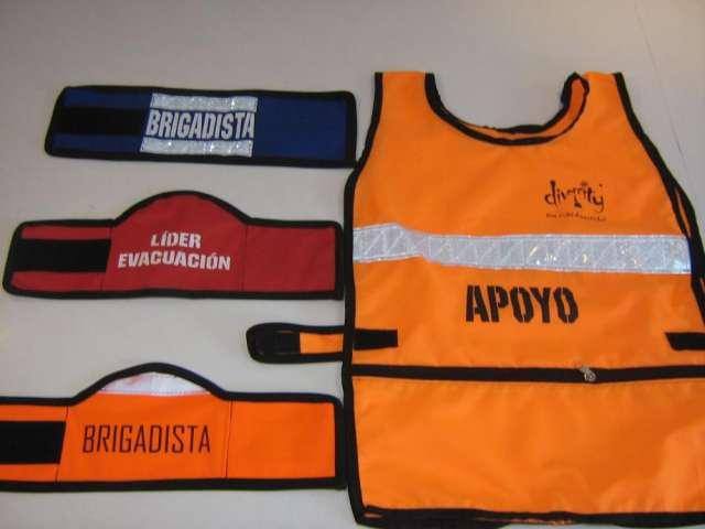Brazaletes para brigada, petos y maletines