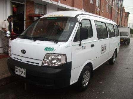 Vendo o permuto camineta kia 2012 19 pasajeros