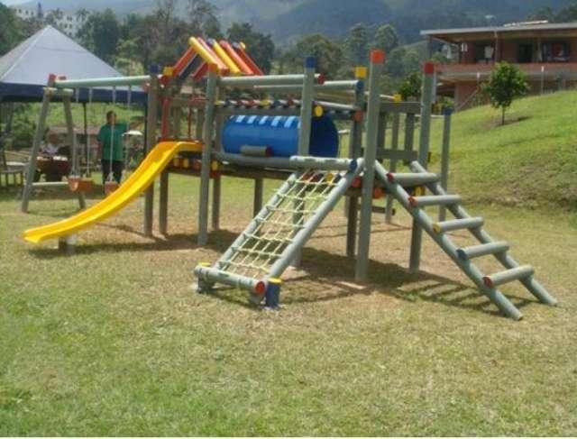 Parques infatiles madera plastica - plastico recilado - pet