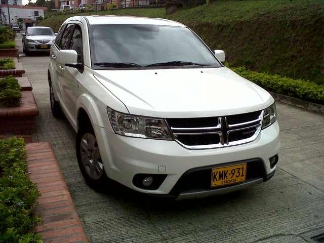 Dodge journey 2012 2.4 cojineria en cuero caja automatica secuencial 7700 km color blanco