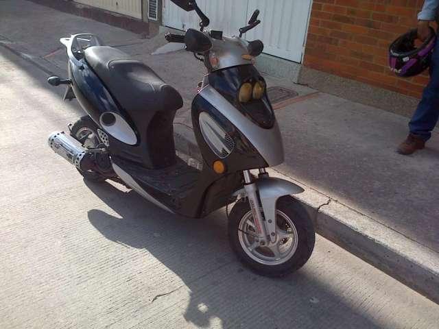 Vendo moto jialing modelo 2006 ego 125 cm3 automatica
