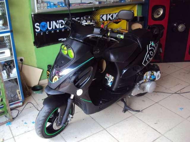 Moto scooter barata 150 4t excelente estado