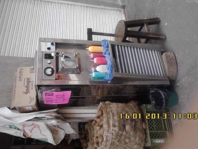Vendo maquina para helados tipo soft o cono suave