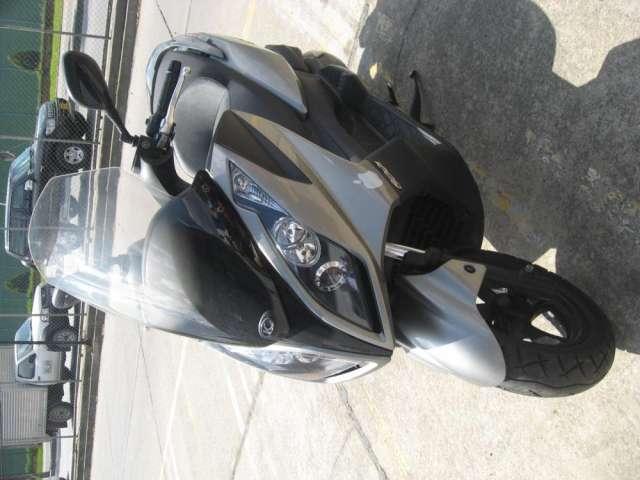 Vendo moto sccoters down town 300 sccoters