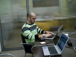 Estudie y trabaje medio tiempo horarios flexibles