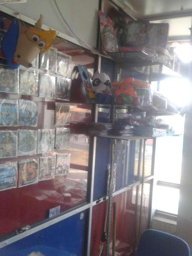 Vendo local en el 20 de julio, gran bazar