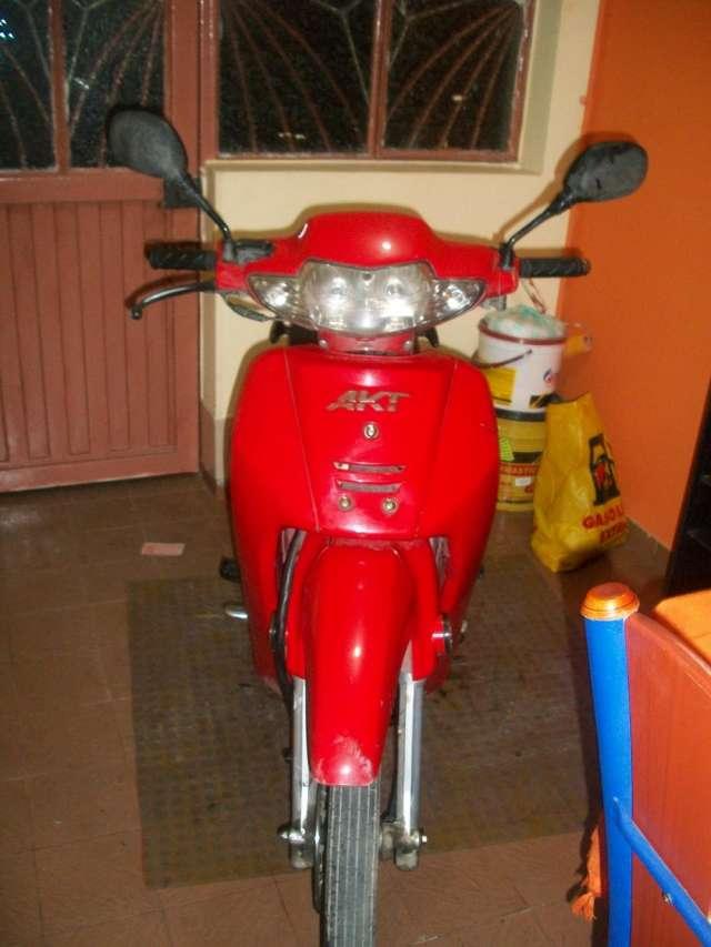 Vendo moto akt 110 especial perfecto estado