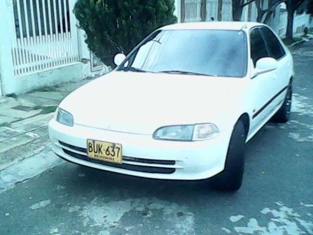 Alquiler de carro honda 1994 en bucaramanga