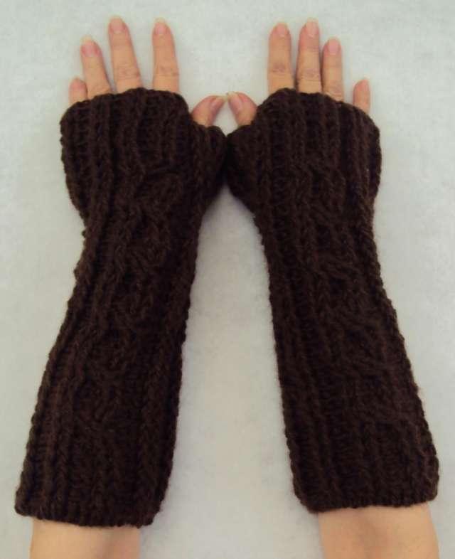 Mitones tejidos en crochet y en dos agujas