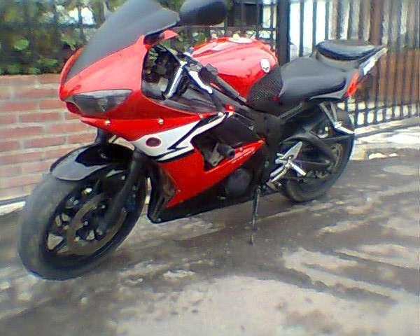 Fotos de Vendo hermosa superbike yamaha r6 roja 3