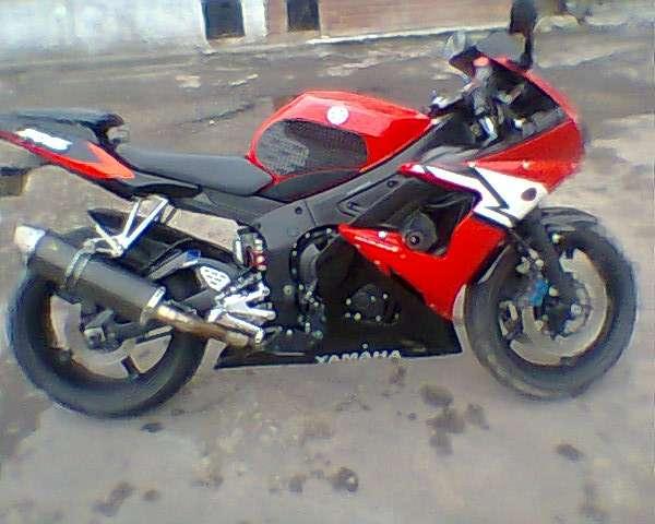 Fotos de Vendo hermosa superbike yamaha r6 roja 5
