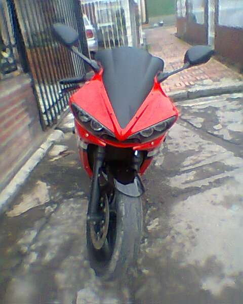 Fotos de Vendo hermosa superbike yamaha r6 roja 4