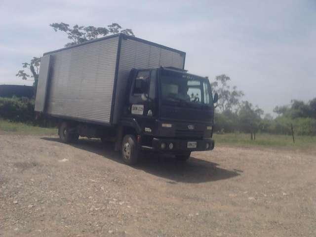 Vendo camión ford cargo815 tipo furgón largo