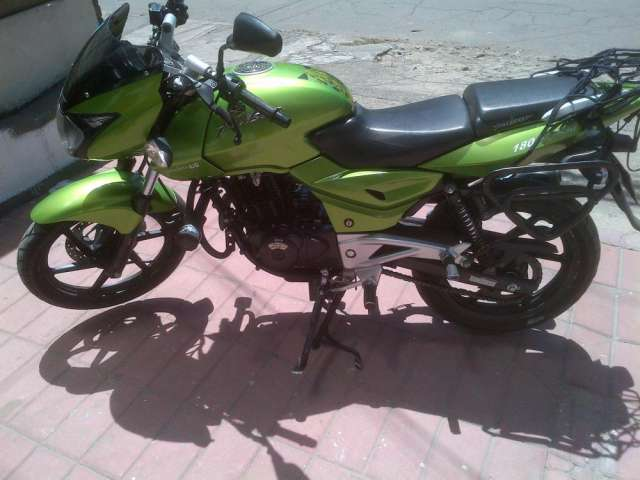 Vendo moto pulsar ug 180 modelo 2011