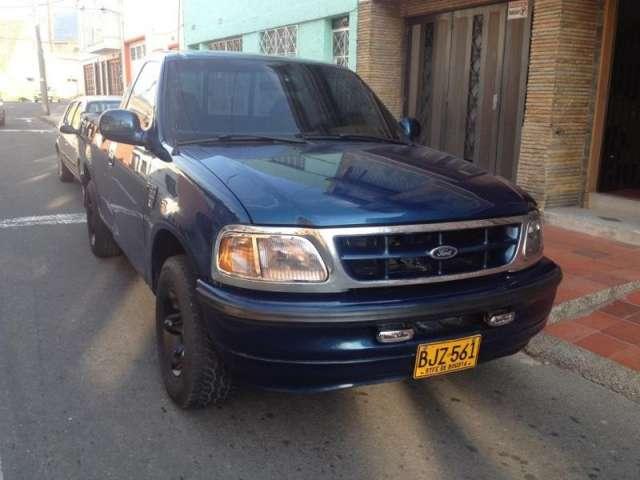 Fotos de Se vende camioneta azul ford con platon excelente estado no tiene pico y placa 4
