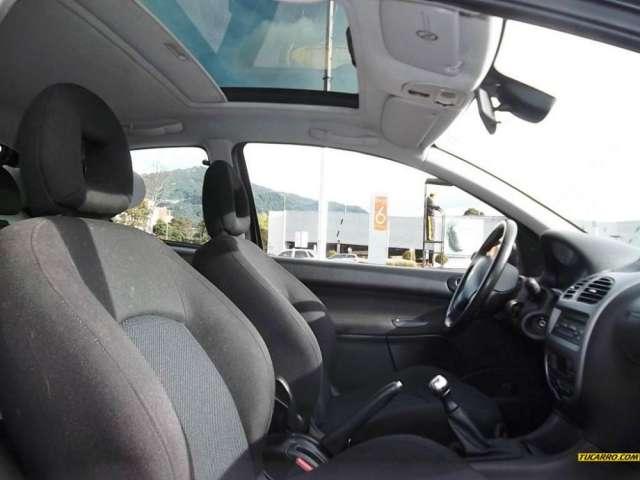Fotos de Peugeot 206 xs premium 2009 color negro perlado 2