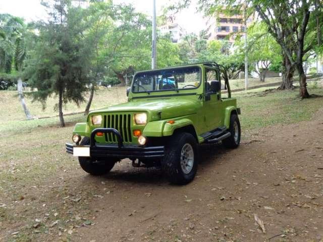 Vendo jeep wrangler sahara 1993 en buen estado negociable