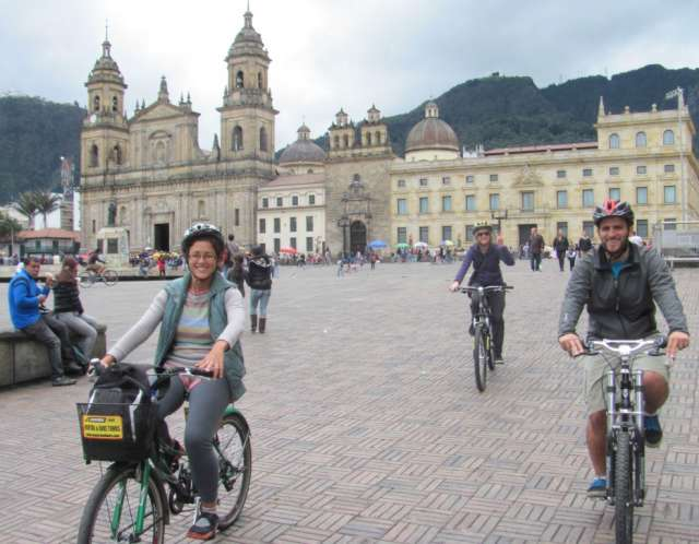 Alquiler y tour en bicicleta por bogota, best bike tours bogota