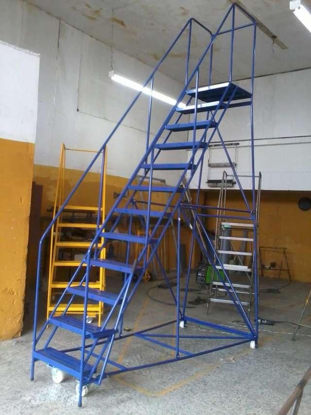 Escaleras para bodega tipo avion hidrasystem s.a.s