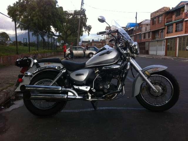 Vendo moto chooper en excelente estado